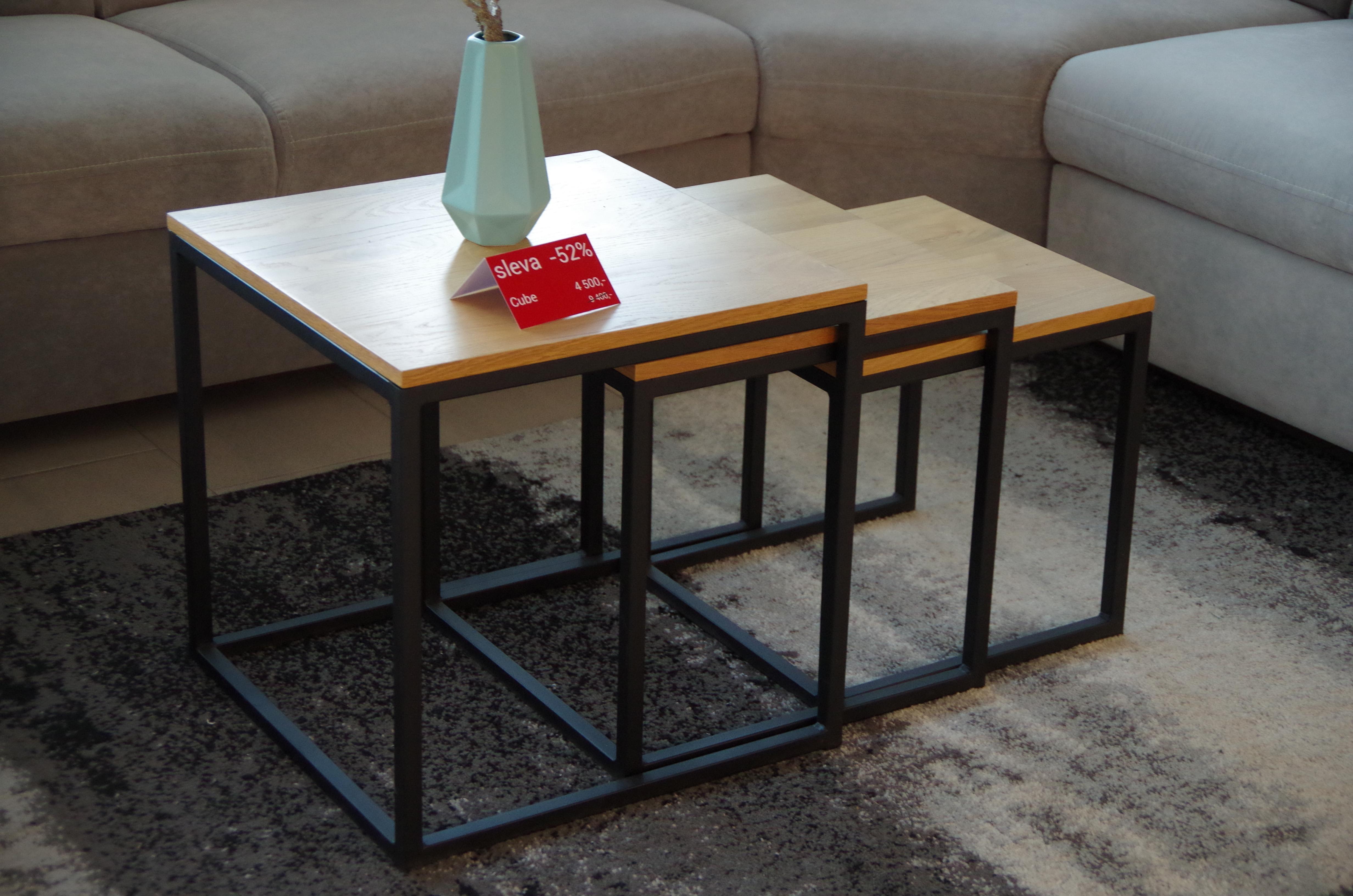 Konferenční stolek Cube